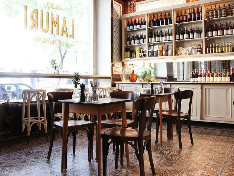 salumeria_lamuri_interno_vetrina